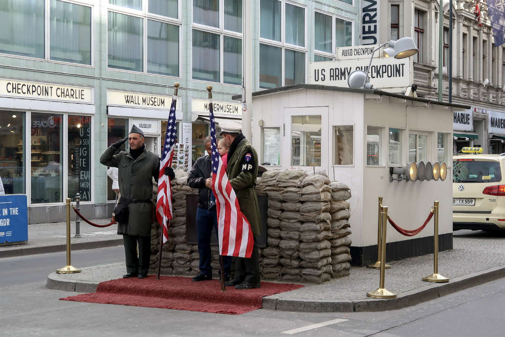 'Checkpoint Charlie' in Berlin