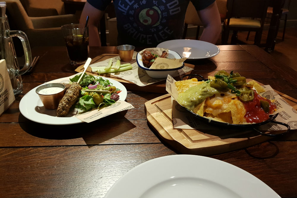 We shared a selection of starters including lamb koftas, bufflalo wings and fully loaded nachos at the Brewhouse and Kitchen in Lichfield #review