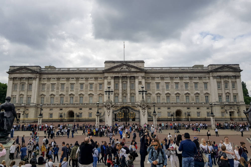 The familiar sight of Buckingham Palace in London