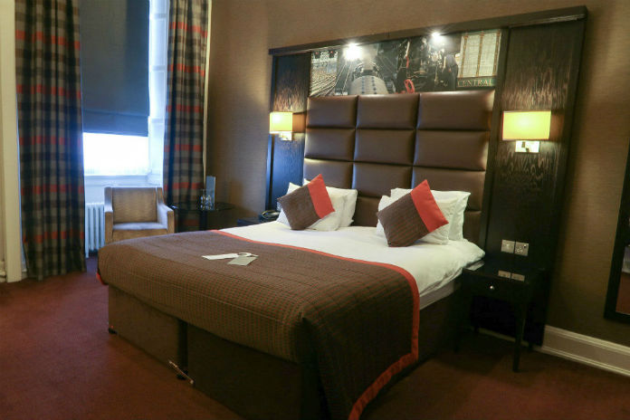 A bedroom at the Grand Central hotel in Glasgow provides great inspiration for a bedroom makeover