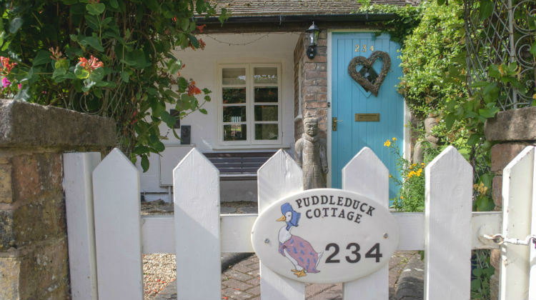Take a Tour of Puddle Duck Cottage in Ironbridge, Shropshire