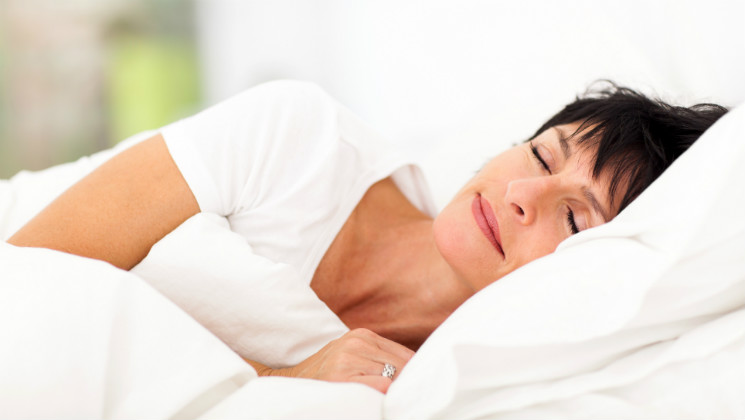 Are you struggling to get a good night's sleep this Summer? These tips will help you to doze off easily and wake up feeling refreshed!