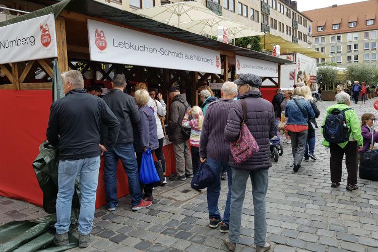 The Lebkuchen Schmit stall in the Nuremberg Hauptmarktplatze