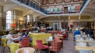 The Edwardian Tearooms in the Birmingham Museum and Art Gallery is the perfect setting for a traditional Sunday Lunch at a fantastic price (review)