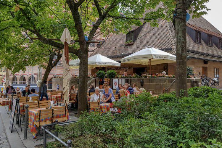 Behringer's Bratwursthäusle restaurant in Nuremberg