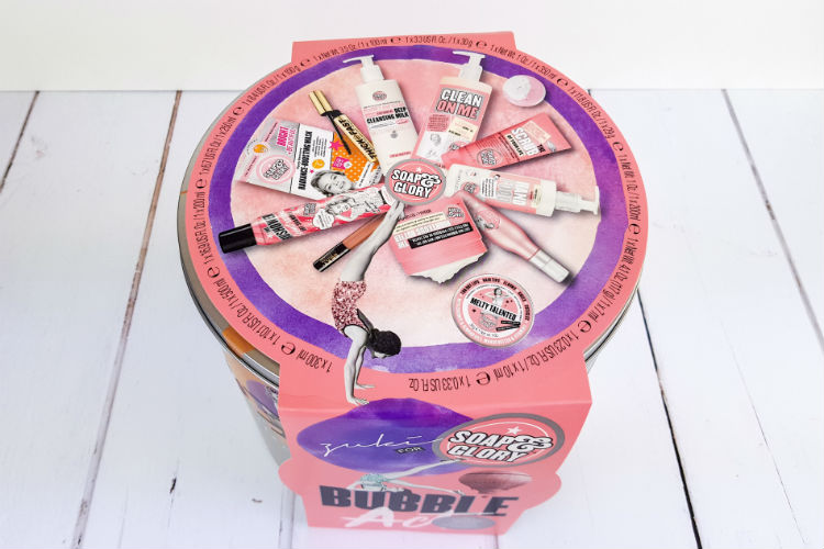 Contents of the Soap & Glory Bubble Act gift set