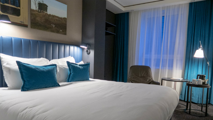 Take a look around Motel One Glasgow, a design led hotel which offers premium facilities and a luxury feel at budget prices.