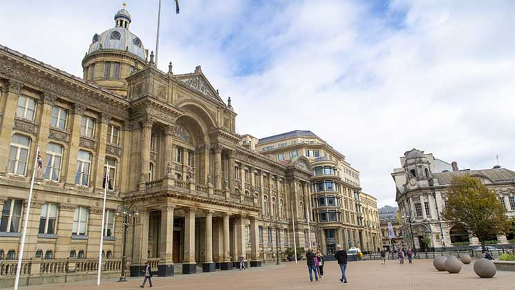 Are you planning a visit to Birmingham? Why not extend your visit and enjoy one of these fantastic day trips?