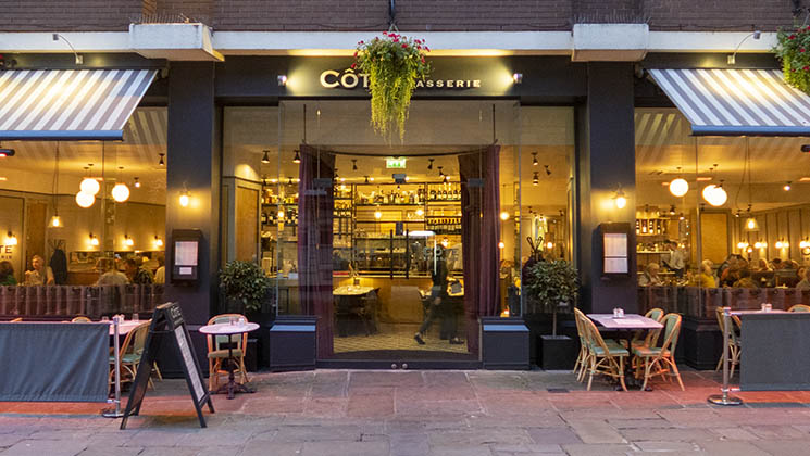 We visited Côte Brasserie in Shrewsbury and found that it is the perfect venue for a cosy dinner for two.